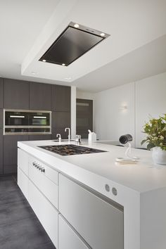 we would like a ceiling mounted kitchen extractor above the island cooktop. And the cooktop is flush with the bench (similar to what we will be getting) Modern Kitchen Island, Open Plan Kitchen, Modern Kitchen Design, Interior Design Kitchen, Kitchen Living, New Kitchen, Kitchen Decor, Decorating Kitchen, Kitchen Ideas
