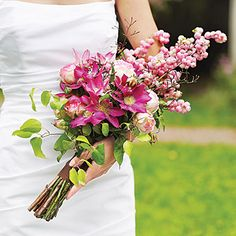 Flat presentation bouquet of snowberries, garden roses, jasmine, and clematis Long Stem Flowers, Prom Flowers, Bridal Flowers, Dried Flowers, Rose Wedding Bouquet, Pink Bouquet, Boquet, Floral Wedding, Wedding Cake