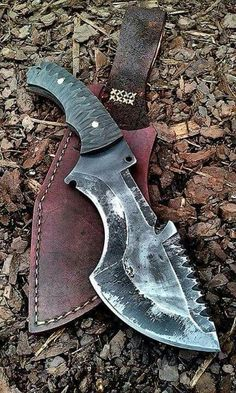 Zombie Weapons that People Really Obsessed With photos) Cool Knives, Knives And Tools, Knives And Swords, Bushcraft Knives, Tactical Knives, Blacksmithing Knives, Tmax Yamaha, Zombie Weapons, Zombie Apocalypse