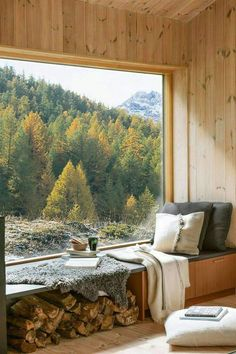 Tiny House Cabin, Cabin Homes, Cozy House, Interior And Exterior, Interior Design, Forest House, Cabin Design, House Goals, My Dream Home