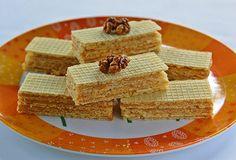 Diós karamell ostya (sütés nélkül) Hungarian Recipes, Something Sweet, No Bake Desserts, Waffles, Deserts, Cooking Recipes, Cukor, Favorite Recipes, Bread