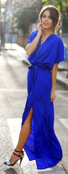 Cool 29 Pretty Cobalt Blue Skirt Outfits for Fashionable Ladies from http://www.fashionetter.com/2017/04/12/pretty-cobalt-blue-skirt-outfits-for-fashionable-ladies/