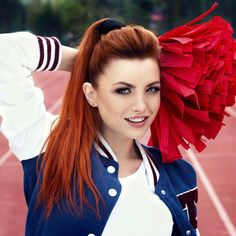 Catherine Deneuve In Bloom Ankle Corsets Music Artist Elena Gheorghe braid through the bangs.i need to work on my braids! Beautiful Redhead, Simply Beautiful, Beautiful Women, Hair Rainbow, Redhead Girl, Celebrity Gallery, Female Athletes, Athletic Women, Girl Pictures