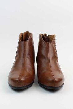 Lille Bootie by Pikolinos  #ShopEsLaVida #EsLaVidaNY #EsLaVidaShoes #Shoes #Fashion #NewYork #Brooklyn