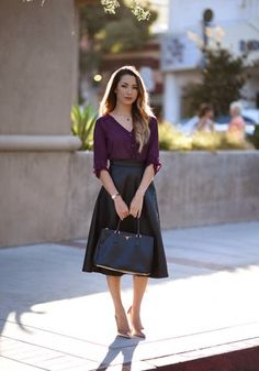 purple button down with skirt                                                                                                                                                                                 Mais