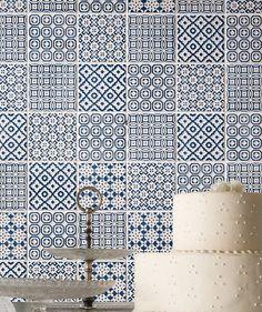 Batik Patchwork Blue - for the hob splashback Blue Mosaic Tile, Red Tiles, Kitchen Wall Tiles, Kitchen Decor, Kitchen Carpet, Kitchen Drawers, Kitchen Flooring, Kitchen Backsplash, Diy Kitchen