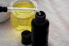 How to Add Tea Tree Oil to Shampoo