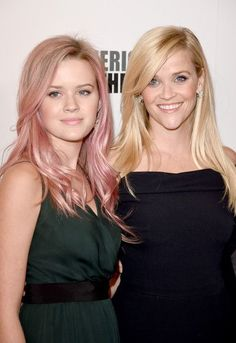 Pin for Later: 28 Celebrity Moms Who Are Nearly Identical to Their Kids Reese Witherspoon and Ava Phillippe Celebrity Daughters, Celebrity Babies, Celebrity Look, Celebrity Photos, Celebrity Children, Celebrity Gossip, Reese Witherspoon Daughter, Reese Witherspoon Children, Reese Witherspoon Hair