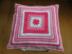 gehaakt kussen Blanket, Crochet, Ganchillo, Blankets, Cover, Crocheting, Comforters, Knits, Chrochet