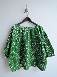 Diy Clothes, Clothes For Women, Shirts & Tops, Japanese Fashion, Refashion, Textile Design, Dressmaking, Clothing Patterns, Ideias Fashion