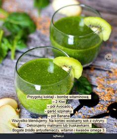 Lajfhaki.pl - Przygotuj koktajl - bombę witaminową.  – 2 Kiwi – pół Avocado - garść szpinaku  – pół Banana Wszystko blendujemy. Na koniec wciskamy sok z cytryny.  Dekorujemy malinami lub truskawkami.  Bogate źródło antyutleniaczy, witamin i kwasów omega 3. Smoothie Drinks, Healthy Smoothies, Cold Deserts, Warm Food, Diet Recipes, Detox, Good Food, Food And Drink, Healthy Eating