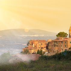 From a craft beer brewed by monks to unbelievably idyllic landscapes, Umbria will steal your heart. Southern Italy, The Monks, Christmas Central, Motor Activities, Sicily, Italy Travel, Tuscany, Countryside, Italian Dishes