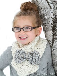 Bow Scarf - this little girl is so cute!