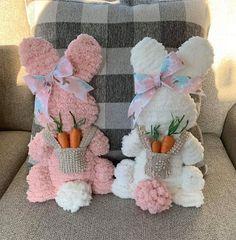 Easter Garland, Easter Wreaths, Easter Decor, Easter Projects, Easter Crafts For Kids, Spring Crafts, Holiday Crafts, Baby Easter Basket, Hoppy Easter