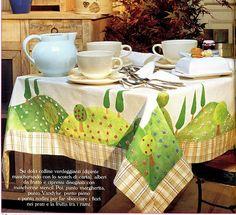 inspirações da net pra você! tablecloth with landscape (fields and trees)