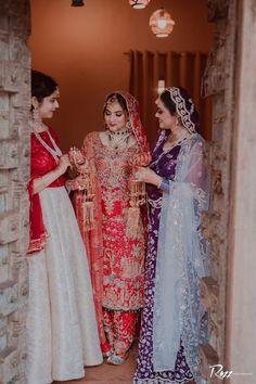 Sikh Wedding Dress, Wedding Suits For Bride, Punjabi Wedding Suit, Bride Suit, Walima Dress, Party Wear Indian Dresses, Pakistani Bridal Wear, Indian Wedding Outfits, Pakistani Dress Design