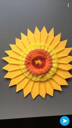Außergewöhnlich Sonne gewebt - Everything About Kindergarten Diy With Kids, Art For Kids, Crafts For Kids, Arts And Crafts, Weaving Projects, Art Projects, Yarn Crafts, Paper Crafts, Classe D'art