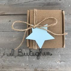 Diy Teepee, Gift Wraping, Baby Hamper, Gifts For An Artist, Diy Gift Box, Diy Gifts For Boyfriend, Soap Packaging, Little Boxes, Christmas Wrapping