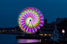 Seattle Great Wheel Light Show | The Seattle Great Wheel Special Light Show clip