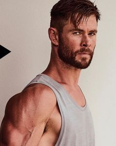 check out my eye candy & Marvel board 4 more Chris! Chris Hemsworth Thor, Age Of Ultron, Dark Kingdom, Hair Men Style, Beard Styles, Hair Styles, Star Trek 2009, Hemsworth Brothers, Australian Actors