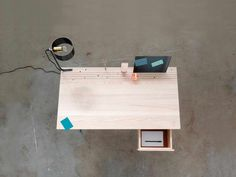 Back-to-Basic desk - Studio Isabel Quiroga