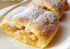 Quick roll with apples from shortcrust pastry- Быстрый рулет с яблоками из песочного теста Quick roll with apples from … - Hungarian Recipes, Russian Recipes, Vegetarian Cooking Classes, Cooking Recipes, Apple Recipes, Cake Recipes, Quick Rolls, Cooking Roast Beef, Shortcrust Pastry
