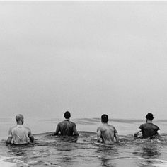 """""""A recently unveiled photo of Coldplay in the ocean at Venice Beach, CA from Anton Corbijn… """" Chris Martin, Great Bands, Cool Bands, Guy Berryman, Thanksgiving America, Happy Thanksgiving, Coldplay Chris, Band Photography, Music Aesthetic"""