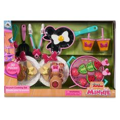 Minnie Mouse fans can host their very own brunch with this fabulous playset! Let them whisk, cook and serve, this set includes a Minnie Mouse-shaped pan, themed utensils, plastic food and much more. Minnie Mouse Party, Minnie Mouse Stickers, Minnie Mouse Cookies, Minnie Mouse Toys, Minnie Mouse Costume, Minnie Bow, Baby Girl Toys, Toys For Girls, Kids Toys