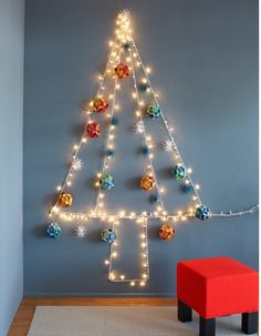 1000+ images about Christmas Tree Wall on Pinterest Christmas trees, Wall christmas tree and ...