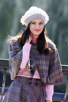 Love this outfit from Gossip Girl. But then I love all blairs outfits. Gossip Girls, Gossip Girl Blair, Mode Gossip Girl, Estilo Gossip Girl, Blair Waldorf Gossip Girl, Gossip Girl Outfits, Gossip Girl Fashion, Blair Waldorf Outfits, Blair Waldorf Stil