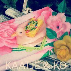 Retro bathroom stuff!!  www.kaatje-en-ko.com