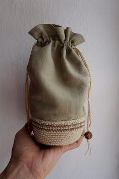 https://flic.kr/p/xBNHRU | Bolsitas mitad crochet, mitad tela | tutorial aquí: www.fronterad.com/?q=bitacoras/mariatenorio/como-hacer-bo...