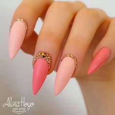 Hottest Almond And Oval Nails To Get You Inspired : Do you want to easily find your favorite almond nails and oval nails? We have the hottest almond and oval nails for you. Enjoy these amazing nails art in your spare time! We hope to have your favorite. Perfect Nails, Gorgeous Nails, Pretty Nails, Amazing Nails, Nail Swag, Oval Nails, Toe Nails, Nail Art Strass, Nagellack Trends