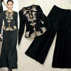 Blusa Preta bordada Bordados em dourado Calça pantalona Preta Composição do Tecido: 65% algodão, 35% poliéster Tamanho M