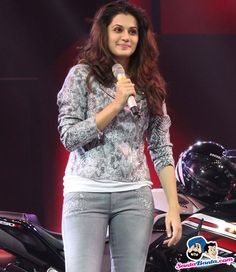 Picture # 313556 of Taapsee Pannu with high quality pics,images,pictures and photos. Bollywood Pictures, Bollywood Actress Hot Photos, Bollywood Girls, Bollywood Fashion, Tamil Actress, South Indian Actress Photo, Indian Actress Photos, Indian Actresses, Hot Actresses