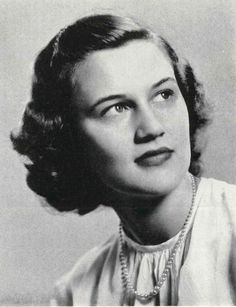Mary Sommers Booth Parker, class of '49. Passed away on January 27, 2016 at the age of 88. http://www.legacy.com/obituaries/charlotte/obituary.aspx?pid=177483998