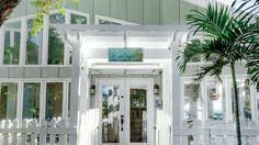 6. Paint on personality. | A busy mom transforms an outdated Casey Key, Florida, home into a relaxed carefree retreat for her energetic family.