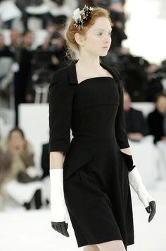 Lily Cole in Chanel - stunning black dress Fashion Models, Fashion Beauty, Fashion Show, Classy Fashion, Chanel Fashion, Couture Fashion, Vintage Fashion, Lily Cole, Chanel Couture