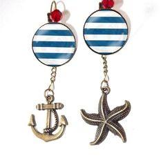 Bijou de créateur boucle d'oreille asymétrique,marin, ancre, étoile de mer ,rouge,cabochon en verre,originale;tendance, romantique