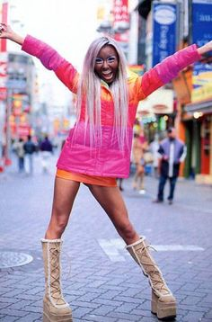 Ganguro..like the outfit