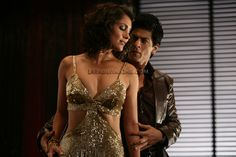 Lara Dutta and Shah Rukh Khan in Don 2