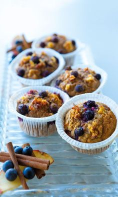 Healthy apple and blueberry muffins - Recipe - SAPO Lifestyle - caroline Healthy Cake, Easy Healthy Recipes, Baby Food Recipes, Gourmet Recipes, Biscuits, Food C, True Food, Strawberry Recipes, Everyday Food