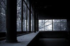 Abandon house 1
