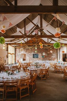 An Incredible Barmbyfield Barns Wedding In Yorkshire Vicky Sam Had A Glastonbury Themed Festival Featuring Music From Undercovered