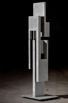 Reinterpretation of Shape – Metal Sculpture by Spanish Architect Arturo Berned | OEN