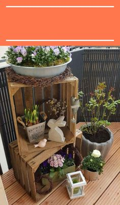 DIY Wooden Crate for Balcony Garden - Balcony Decoration Ideas in Every Unique D. - DIY Wooden Crate for Balcony Garden – Balcony Decoration Ideas in Every Unique Detail - Diy Wooden Crate, Wooden Crates, Decoration Entree, Decoration Plante, House Plants Decor, Deco Floral, Front Yard Landscaping, Porch Decorating, Decorating Ideas