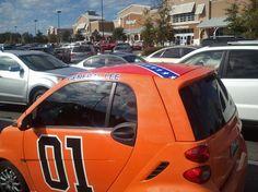 """""""General Wee"""" - General Lee replica in a smart car"""