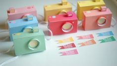 Snap happy party favors!