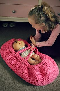 Dolly's Moses Basket ~ free pattern ᛡ