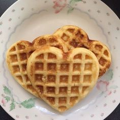 Find images and videos about cute, food and aesthetic on We Heart It - the app to get lost in what you love. Think Food, I Love Food, Good Food, Yummy Food, Comida Picnic, Comida Disney, Cute Desserts, Aesthetic Food, Korean Aesthetic